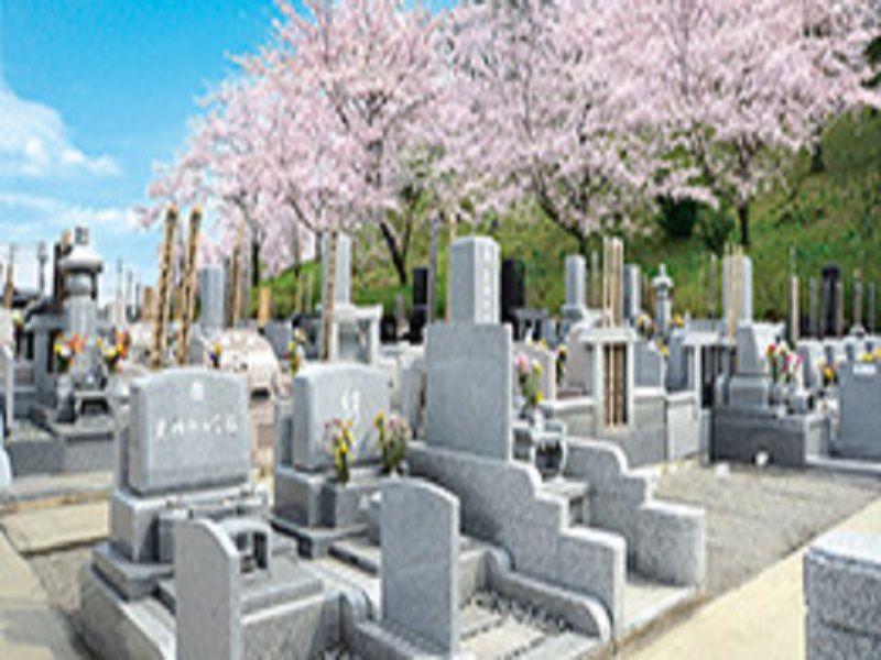 熊谷深谷霊園 龍泉寺 様々な墓石が並ぶ墓域