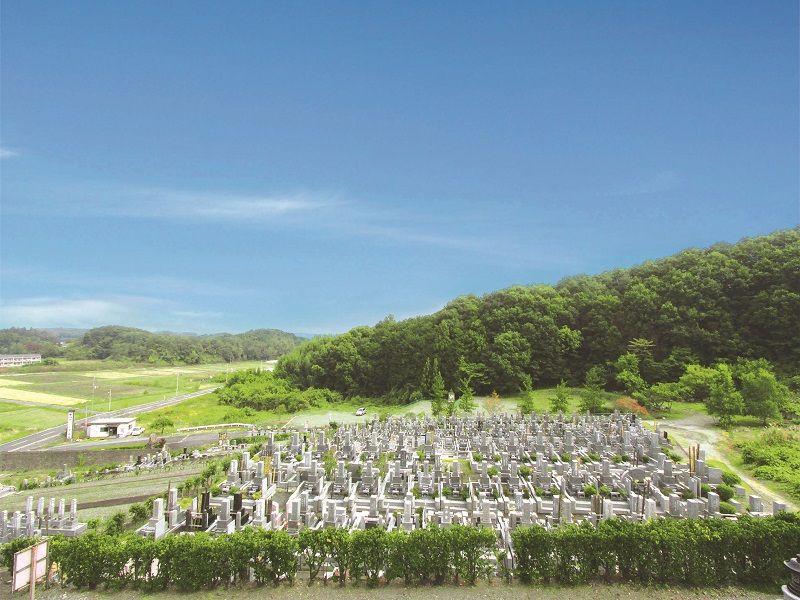 花園むさしの浄苑 自然に囲まれた苑内全景