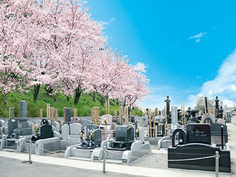 熊谷深谷霊園 龍泉寺 桜に囲まれた墓域