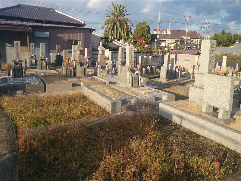 南島泉共同墓地