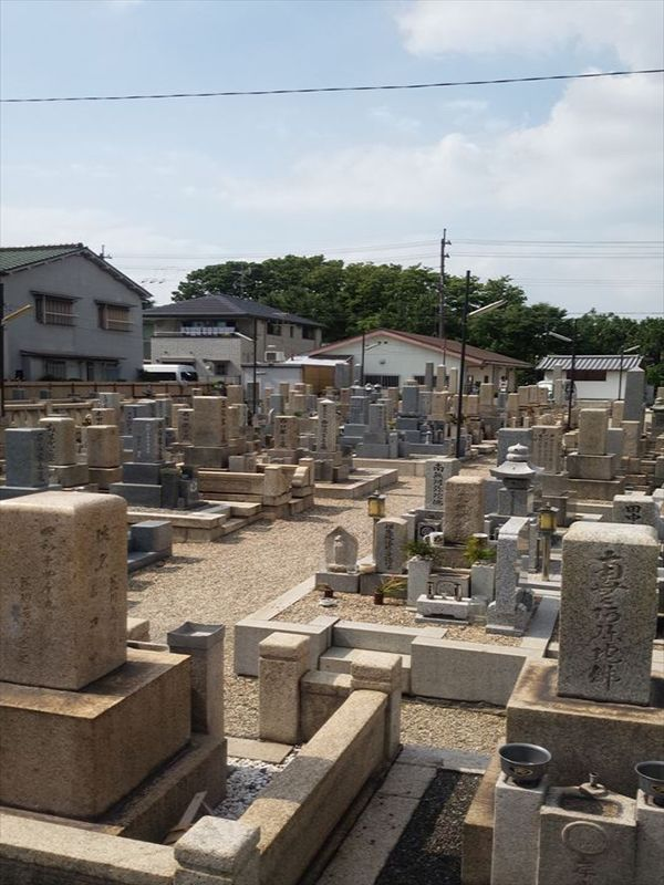 東大阪市営 小阪墓地 住宅地に隣接した墓地