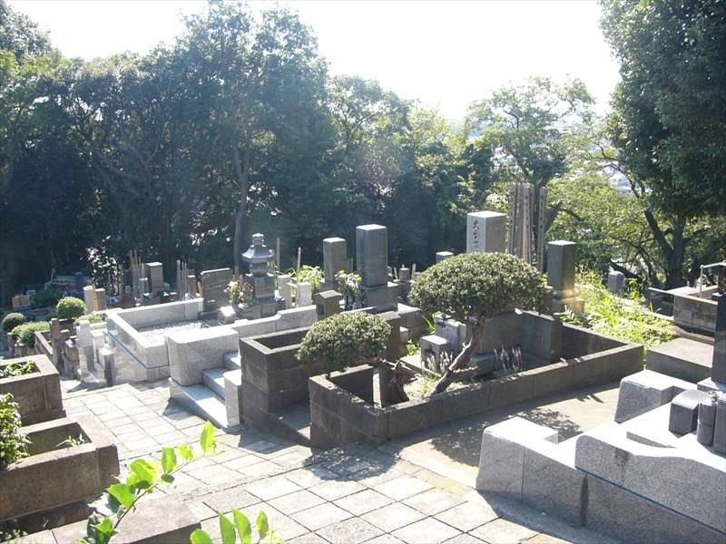 藤沢市営 西富墓地 日当たりのよい墓域