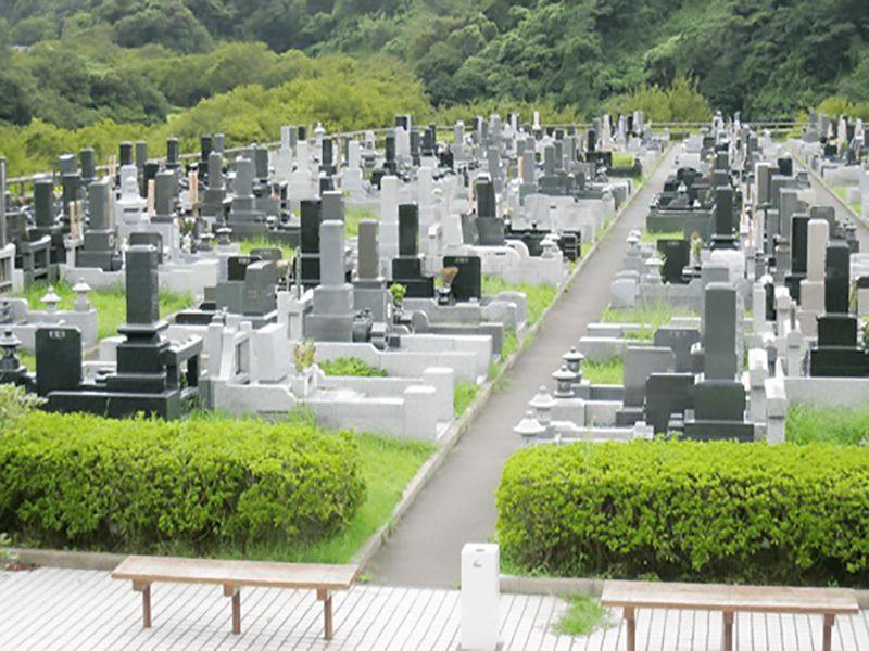 横須賀市営公園墓地 緑に囲まれた墓地