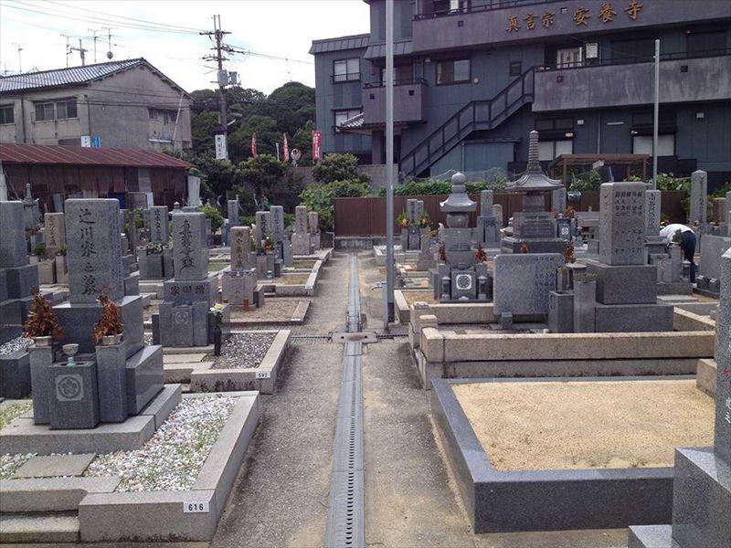 小山共同墓地
