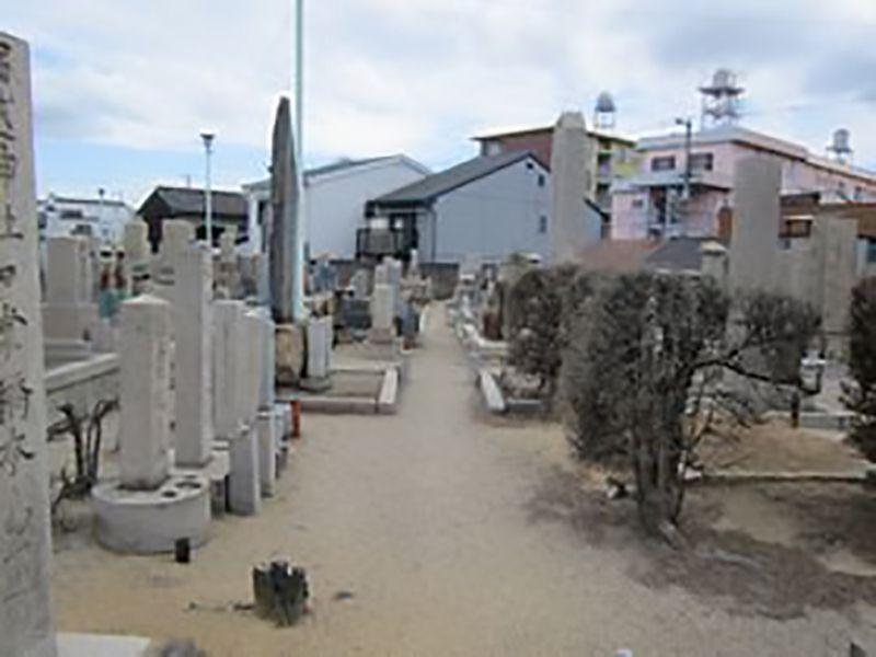 大阪市設 住吉霊園 園内はバリアフリー設計