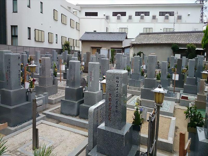 遠里小野霊園 一般墓所風景