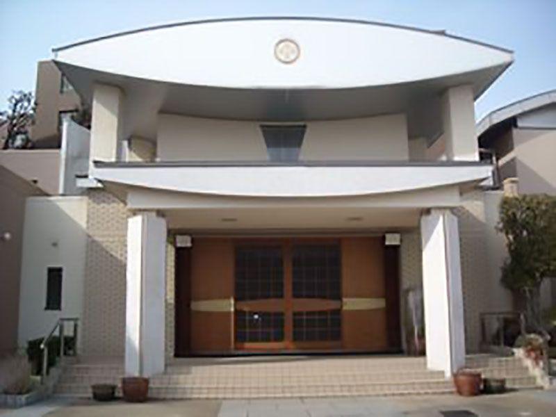 阪急岡本 光明寺墓地