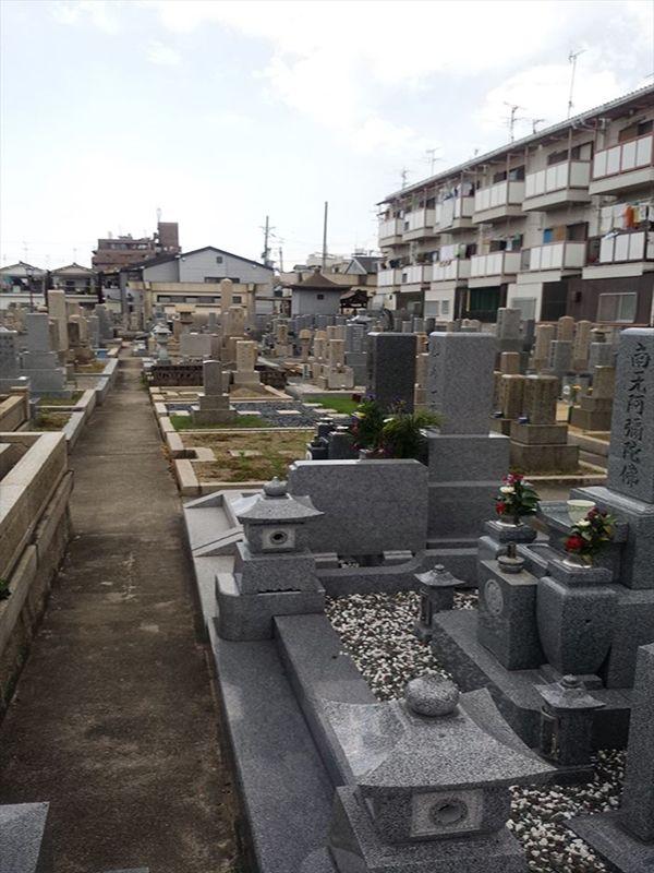 岩田墓地 手入れされた墓域